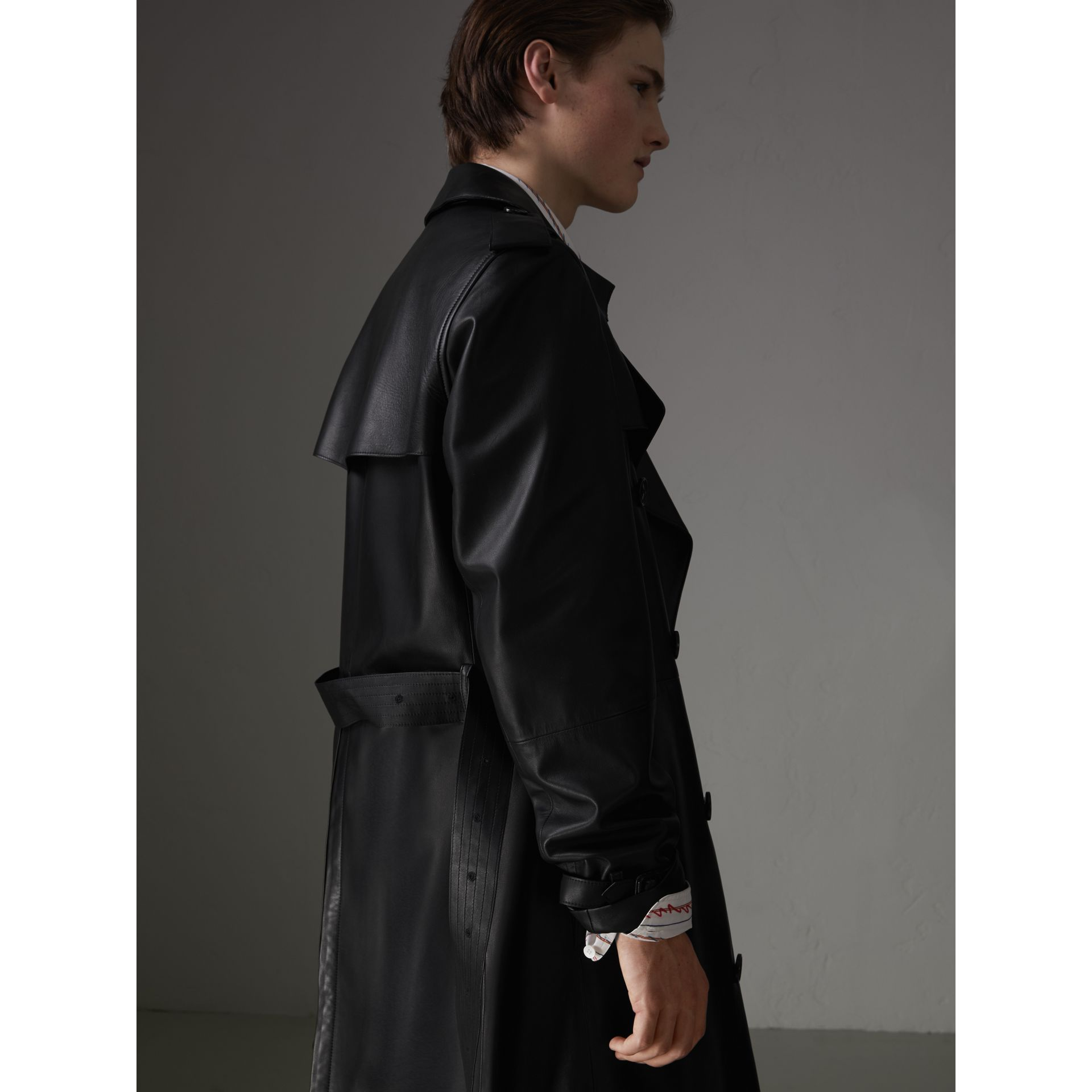 Lambskin Trench Coat in Black - Men | Burberry United Kingdom - gallery image 2