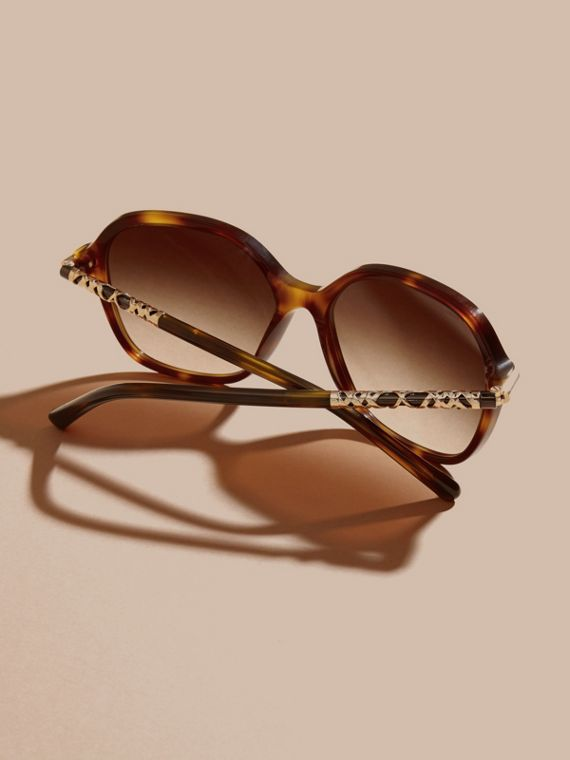 Check Detail Round Frame Sunglasses in Light Russet Brown - cell image 3