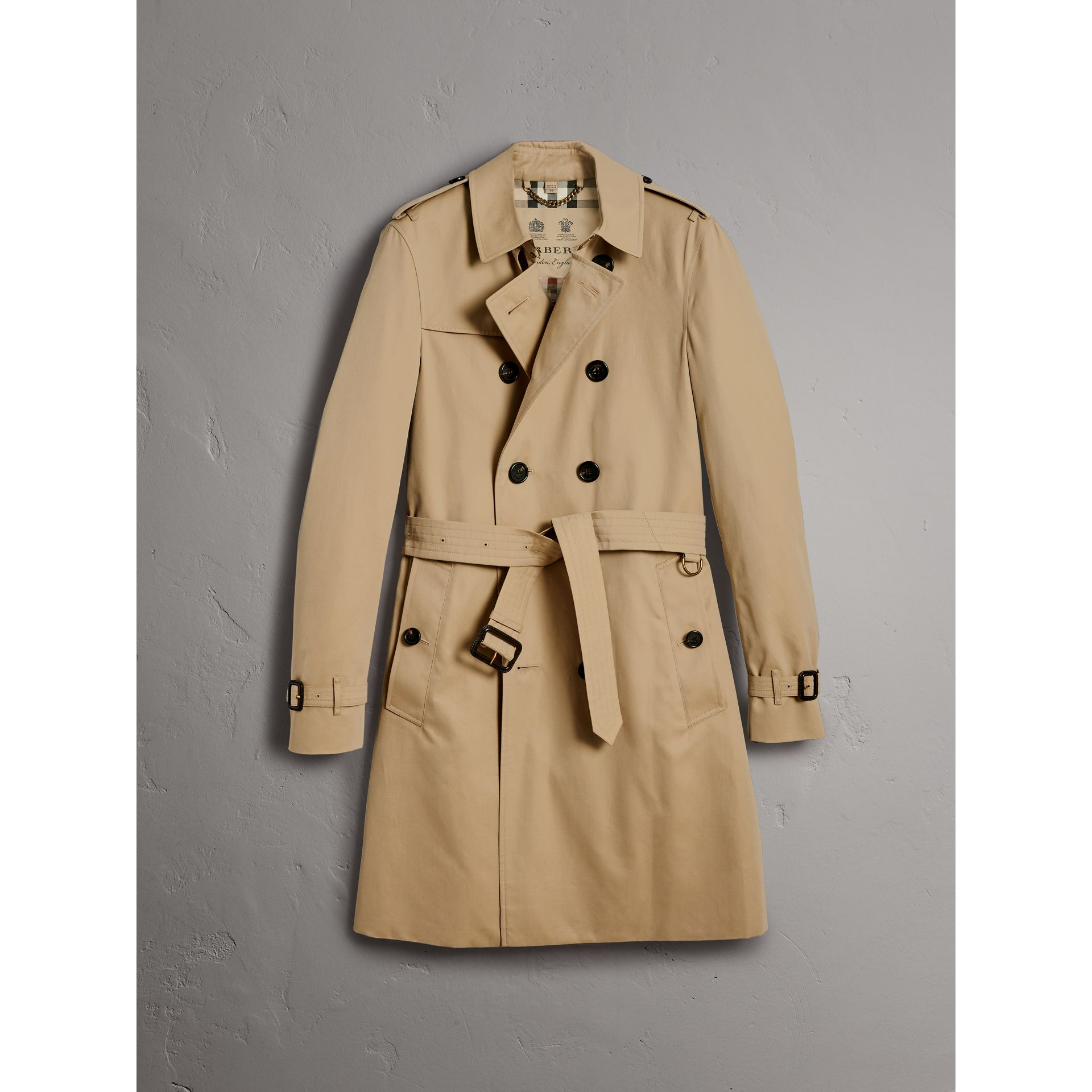 The Chelsea – Long Trench Coat in Honey - Men | Burberry - gallery image 4
