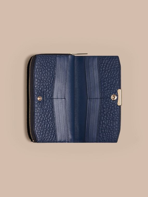 Blue carbon Signature Grain Leather Ziparound Wallet Blue Carbon - cell image 3