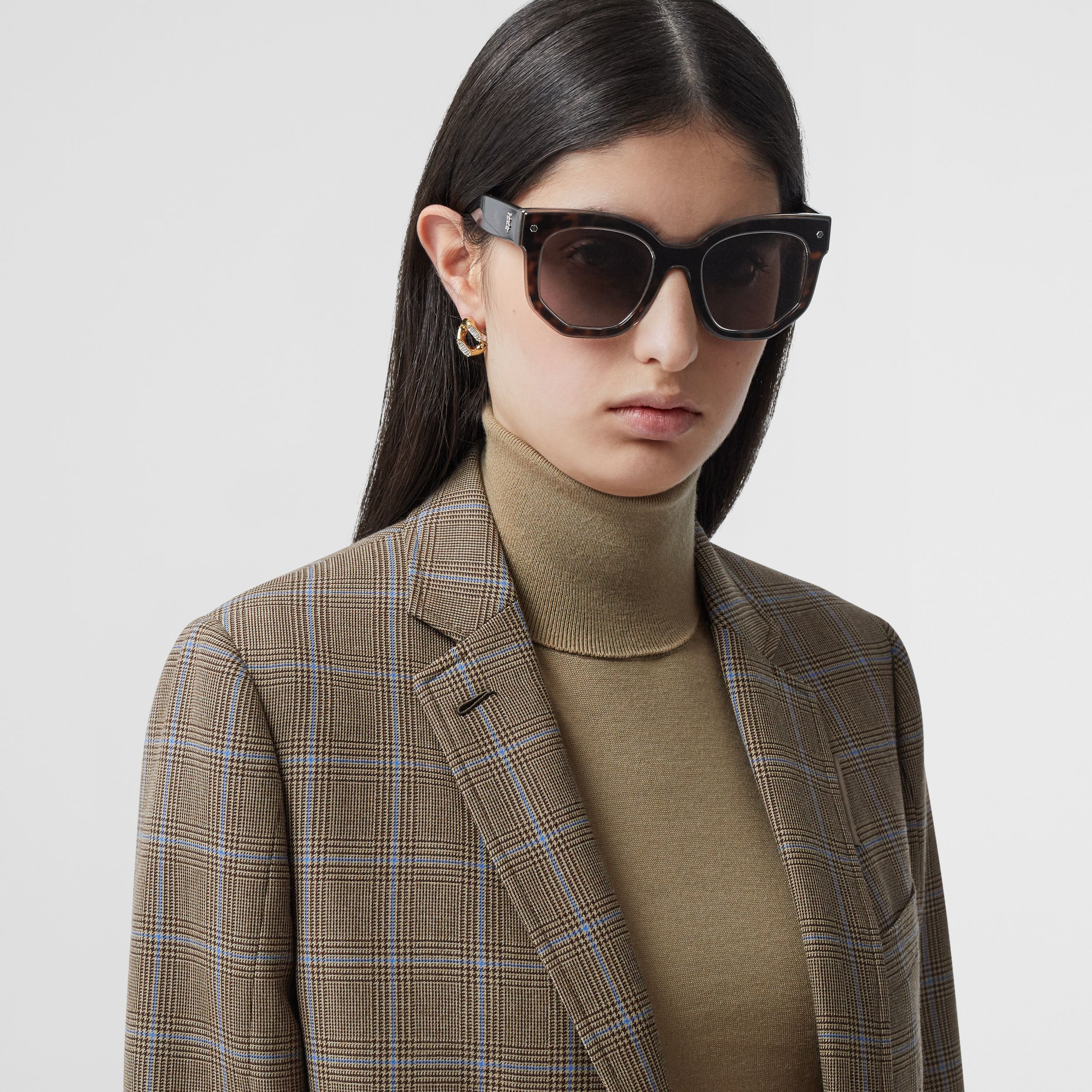 Geometric Frame Sunglasses in Tortoiseshell - Women | Burberry - 3