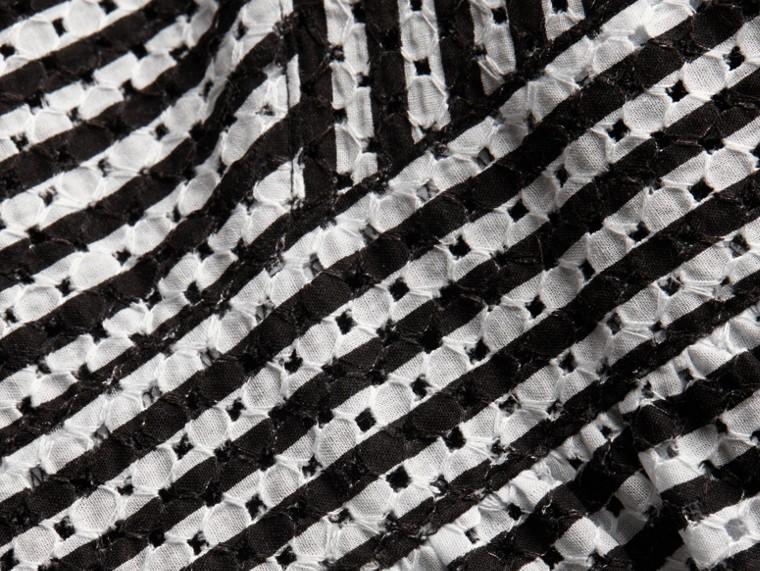 Nero Abito in pizzo di cotone a righe - cell image 1