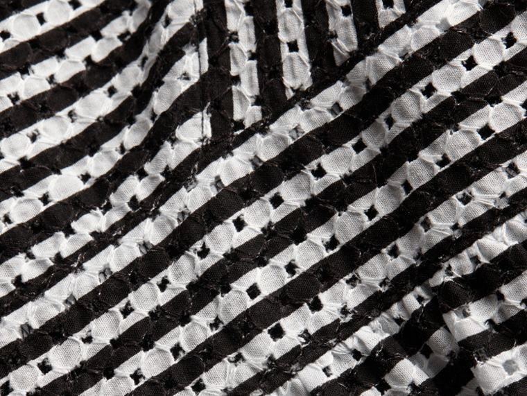 Noir Robe brodée en coton rayé - cell image 1