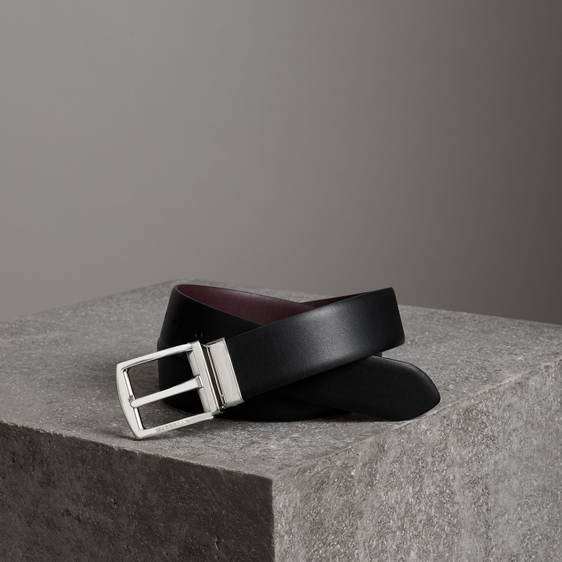 Reversible Leather Belt in Black - Men | Burberry - gallery image 0