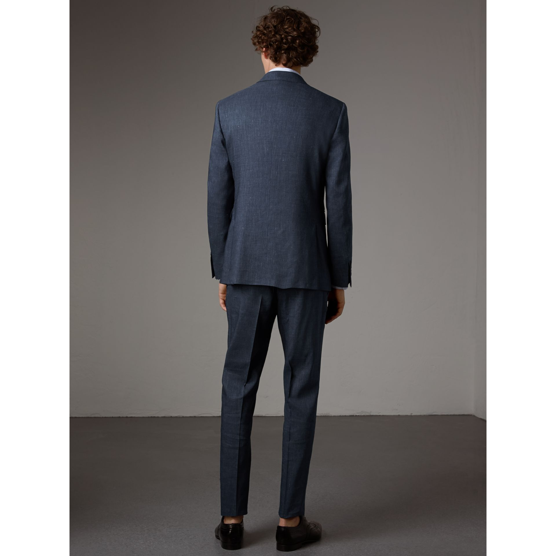Modern Fit Travel Tailoring Linen Wool Suit in Slate Blue - Men | Burberry - gallery image 3