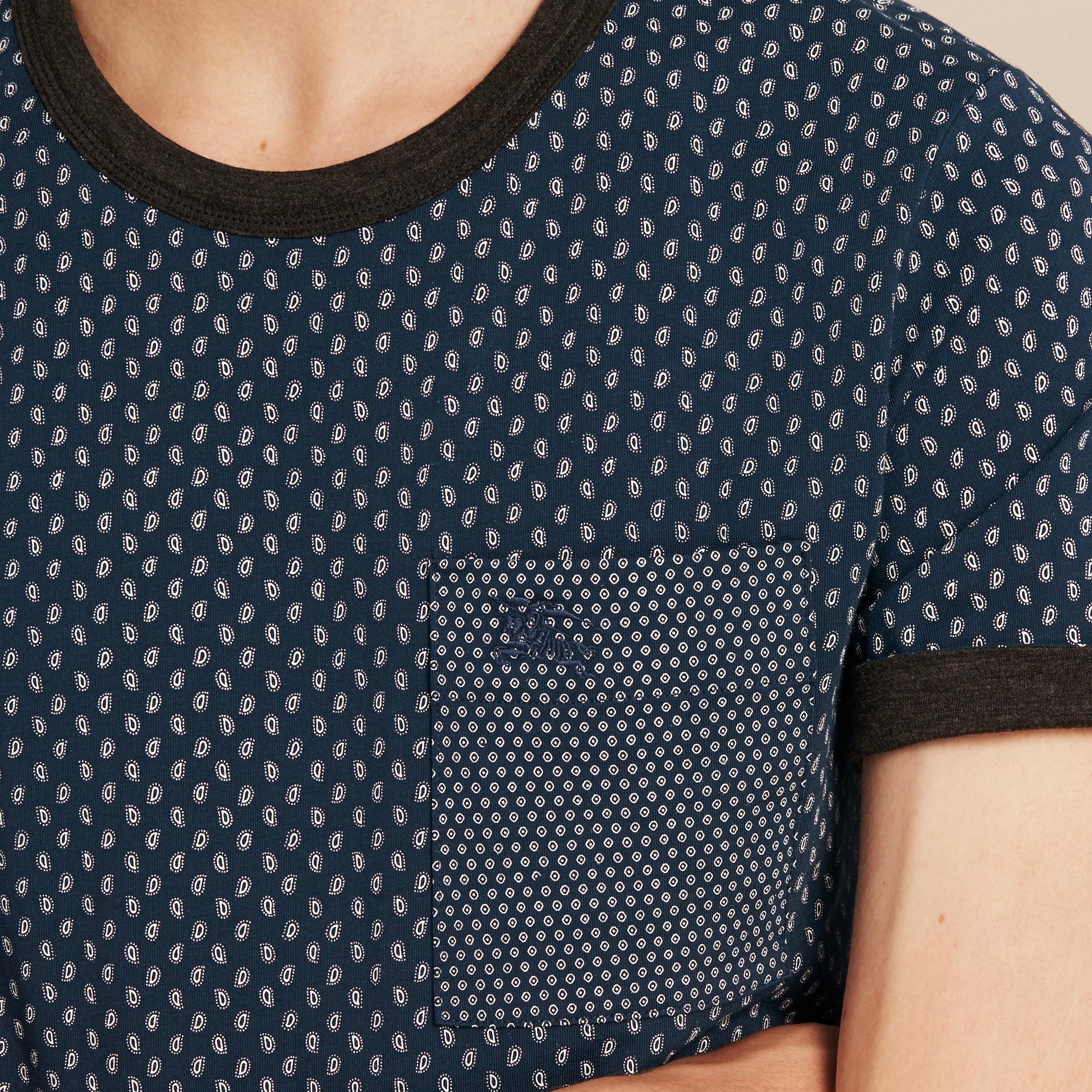 Bleu minéral T-shirt en coton à imprimé Paisley Bleu Minéral - photo de la galerie 4