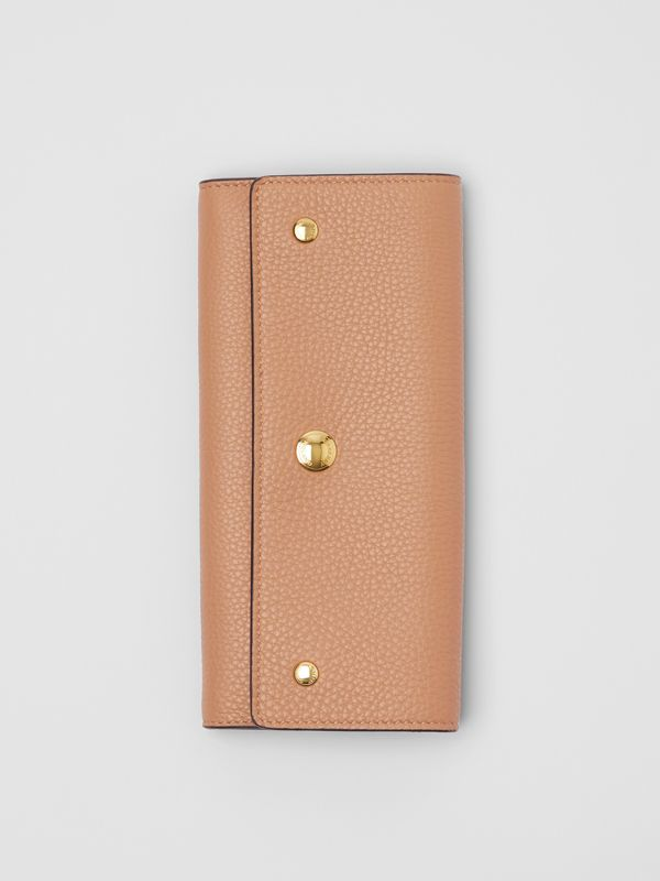 Grainy Leather Continental Wallet in Light Camel - Women | Burberry Canada - cell image 3
