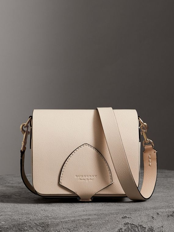 The Square Satchel aus Leder (Steinfarben)
