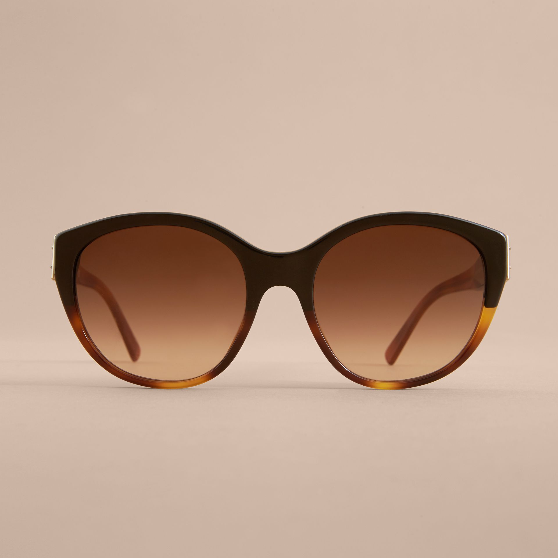 Buckle Detail Round Frame Sunglasses in Tortoise Amber - Women | Burberry - gallery image 3