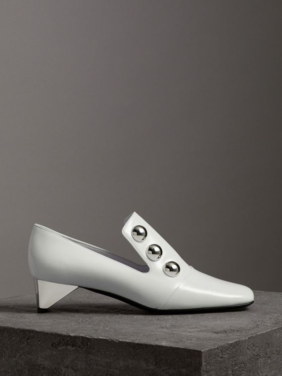 Stud Detail Patent Leather Pumps in Off White