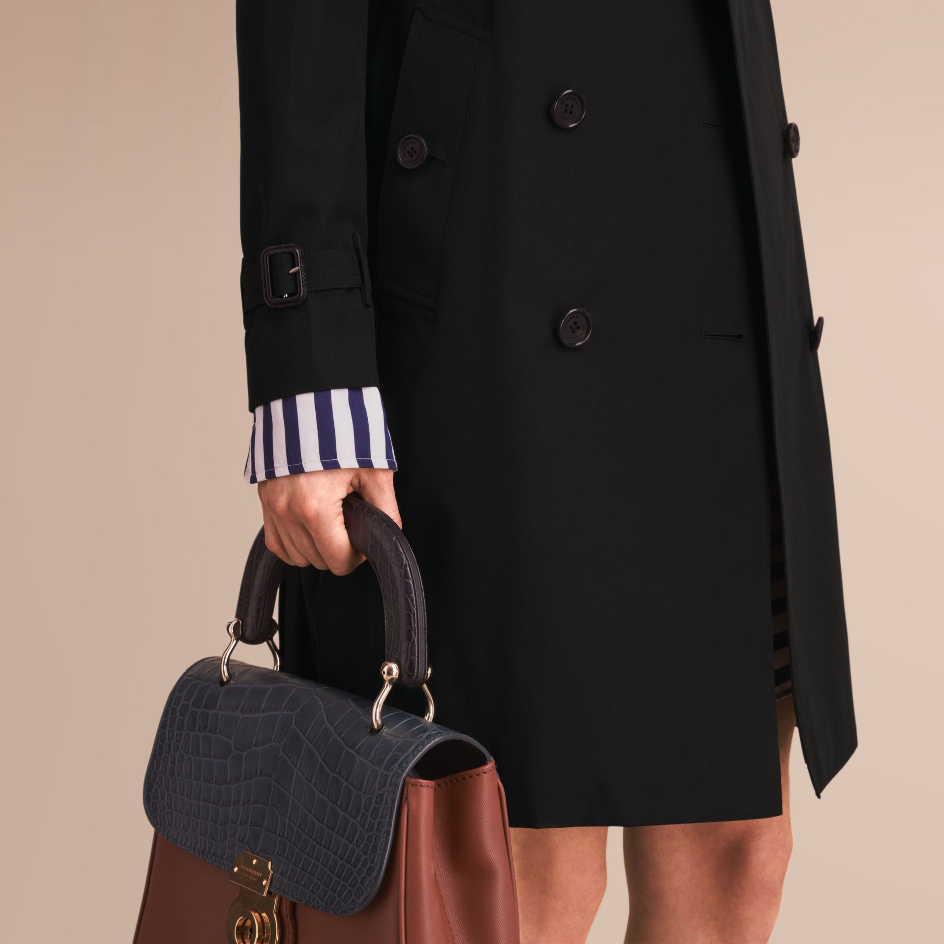 The Kensington – Long Heritage Trench Coat in Black - Women | Burberry - gallery image 6