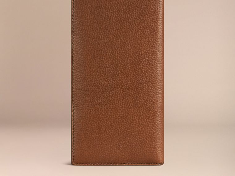 Grainy Leather Travel Card Case Tan - cell image 2
