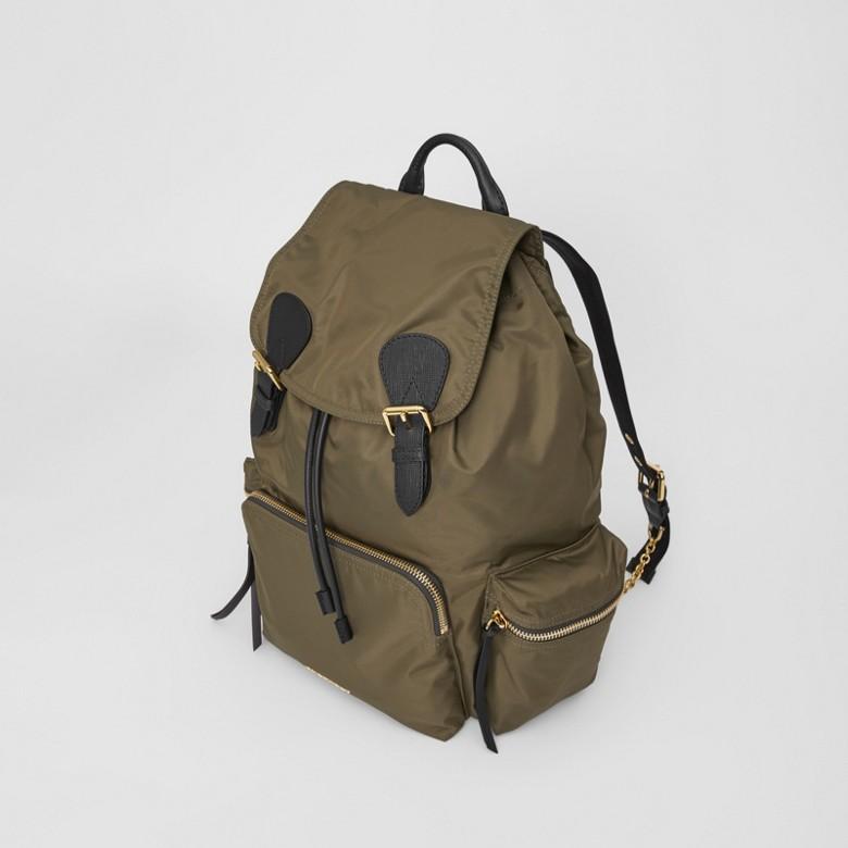Burberry - Grand sac The Rucksack en nylon technique et cuir - 3