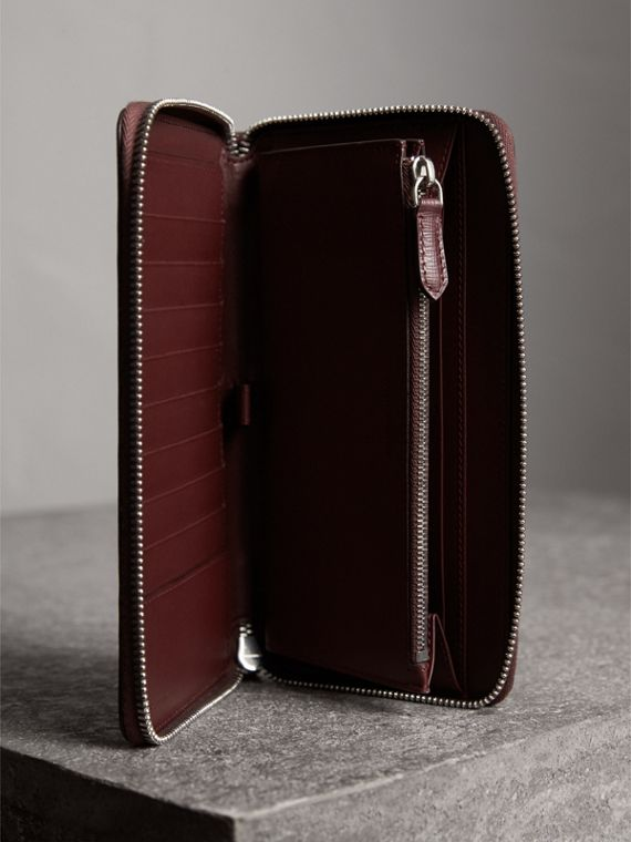 London Leather Ziparound Wallet in Burgundy Red | Burberry Australia - cell image 3