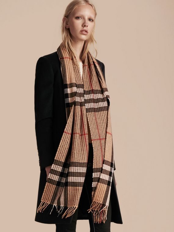 Camel check The Classic Cashmere Scarf in Check with Topstitch Detail Camel - cell image 2