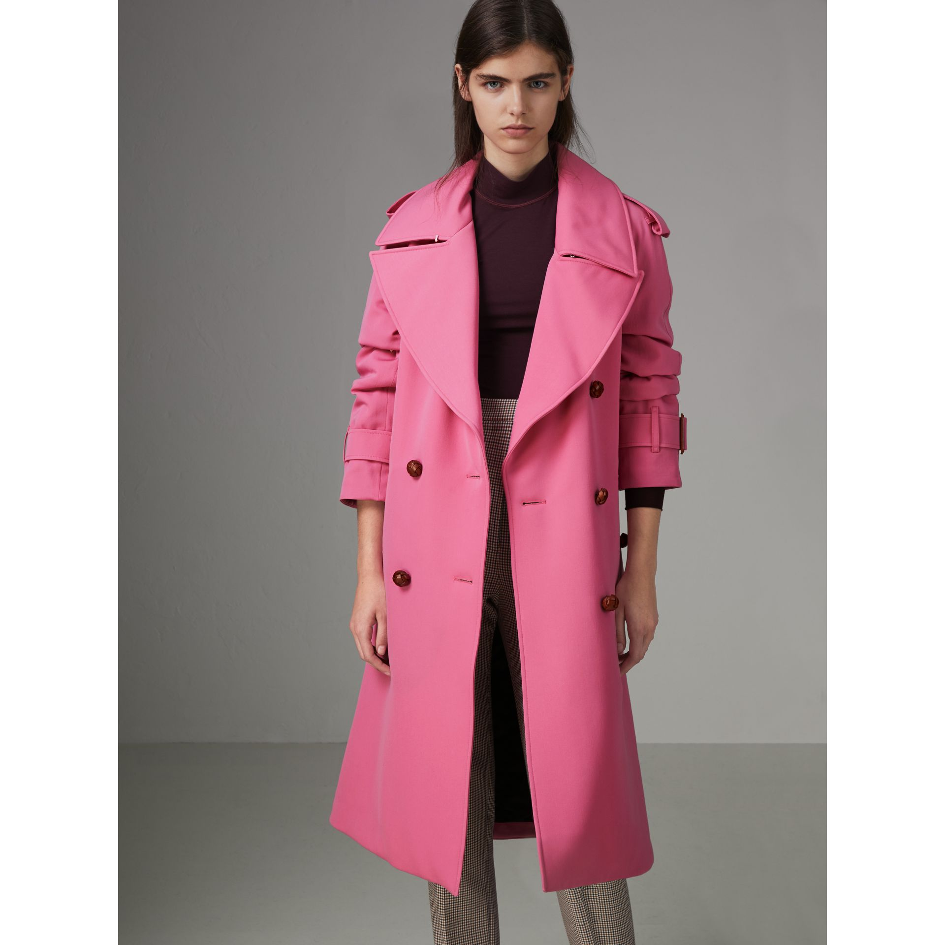 Oversized Lapel Wool Gabardine Trench Coat in Bright Pink - Women | Burberry Australia - gallery image 4