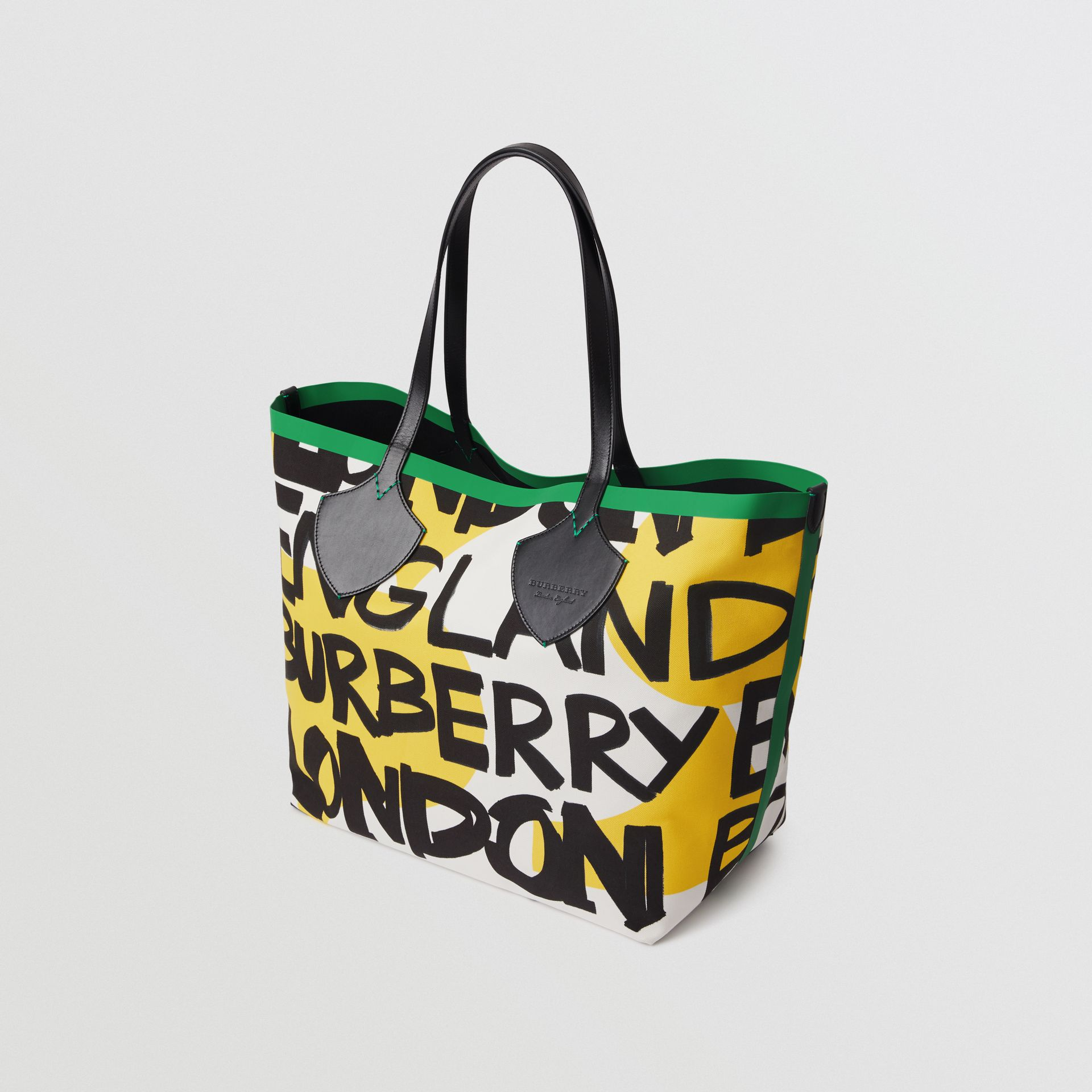 The Giant Tote in Graffiti Print Cotton in Black/green | Burberry - gallery image 2