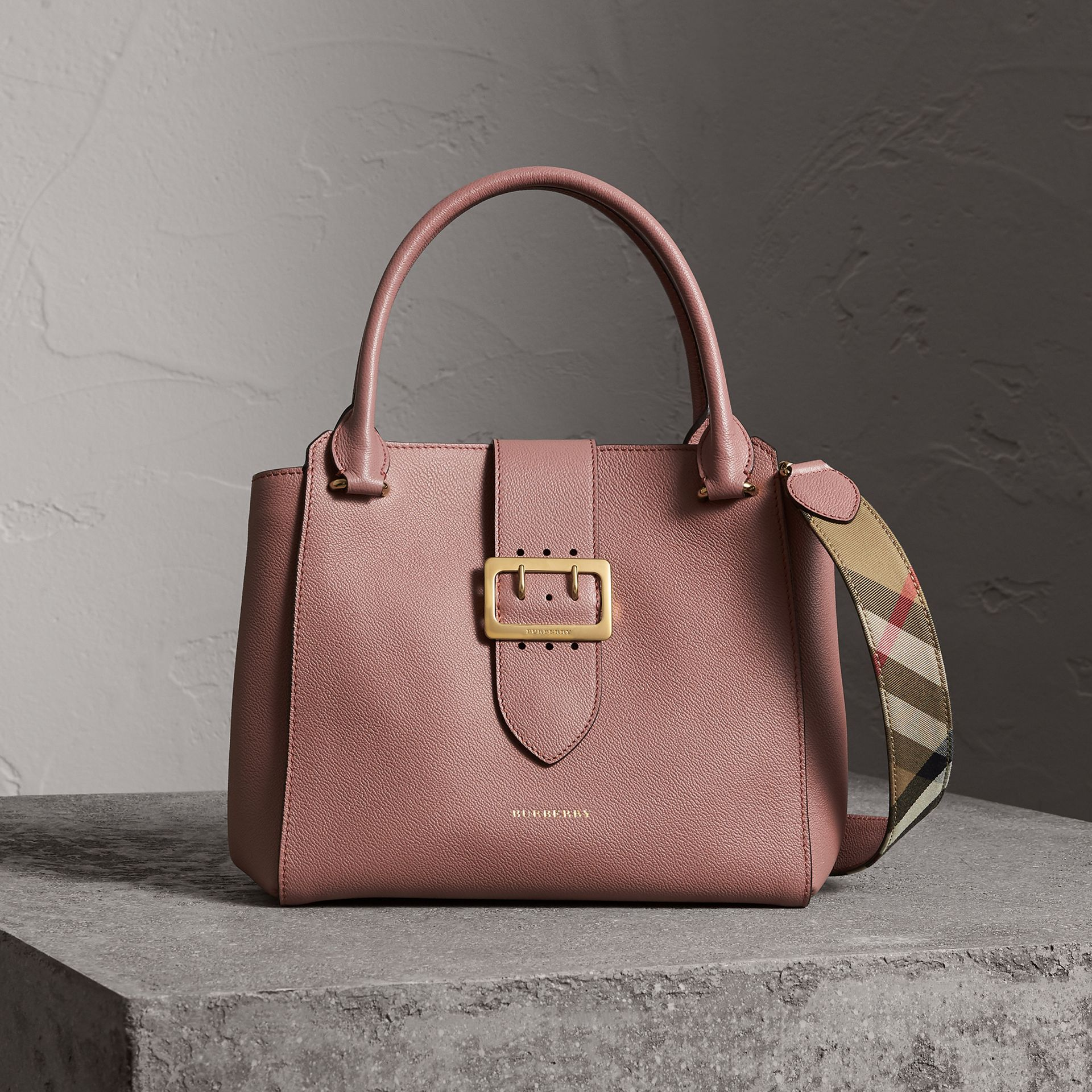 The Medium Buckle Tote in Grainy Leather in Dusty Pink - Women | Burberry - gallery image 0