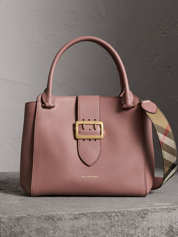 The Medium Buckle Tote in Grainy Leather in Dusty Pink