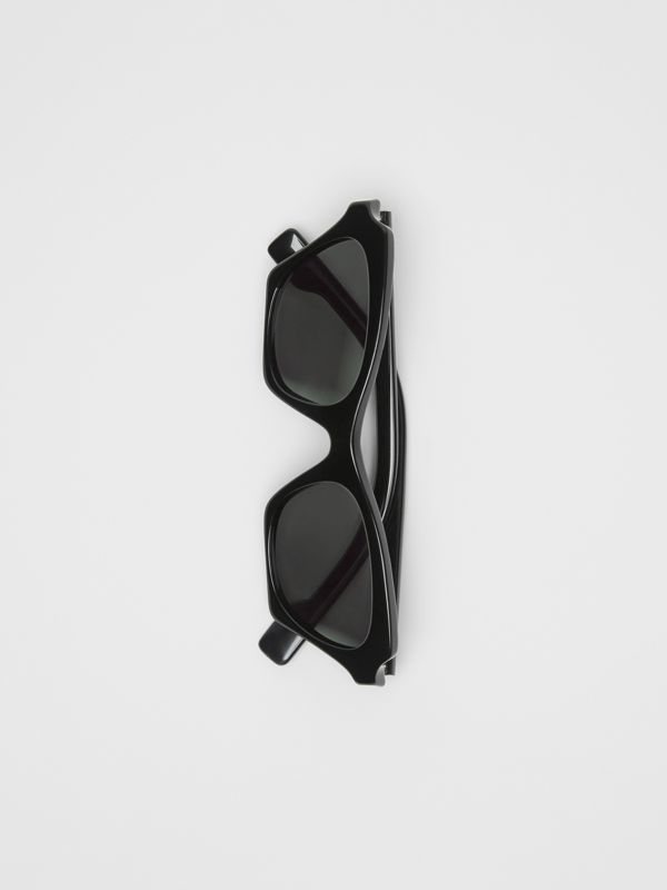 Butterfly Frame Sunglasses in Black - Women | Burberry - cell image 3