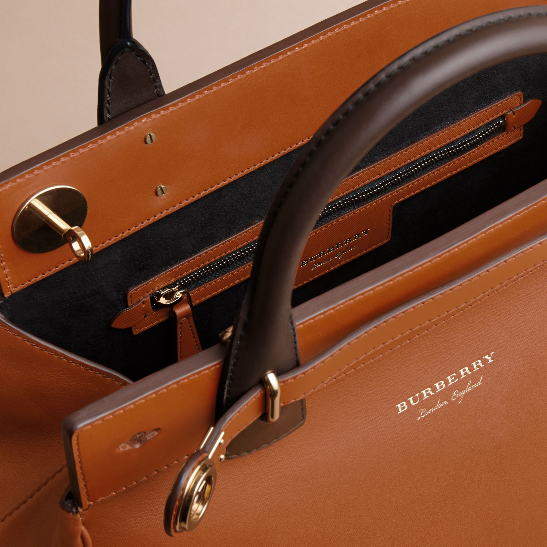 The DK88 Luggage Bag Tan - gallery image 4