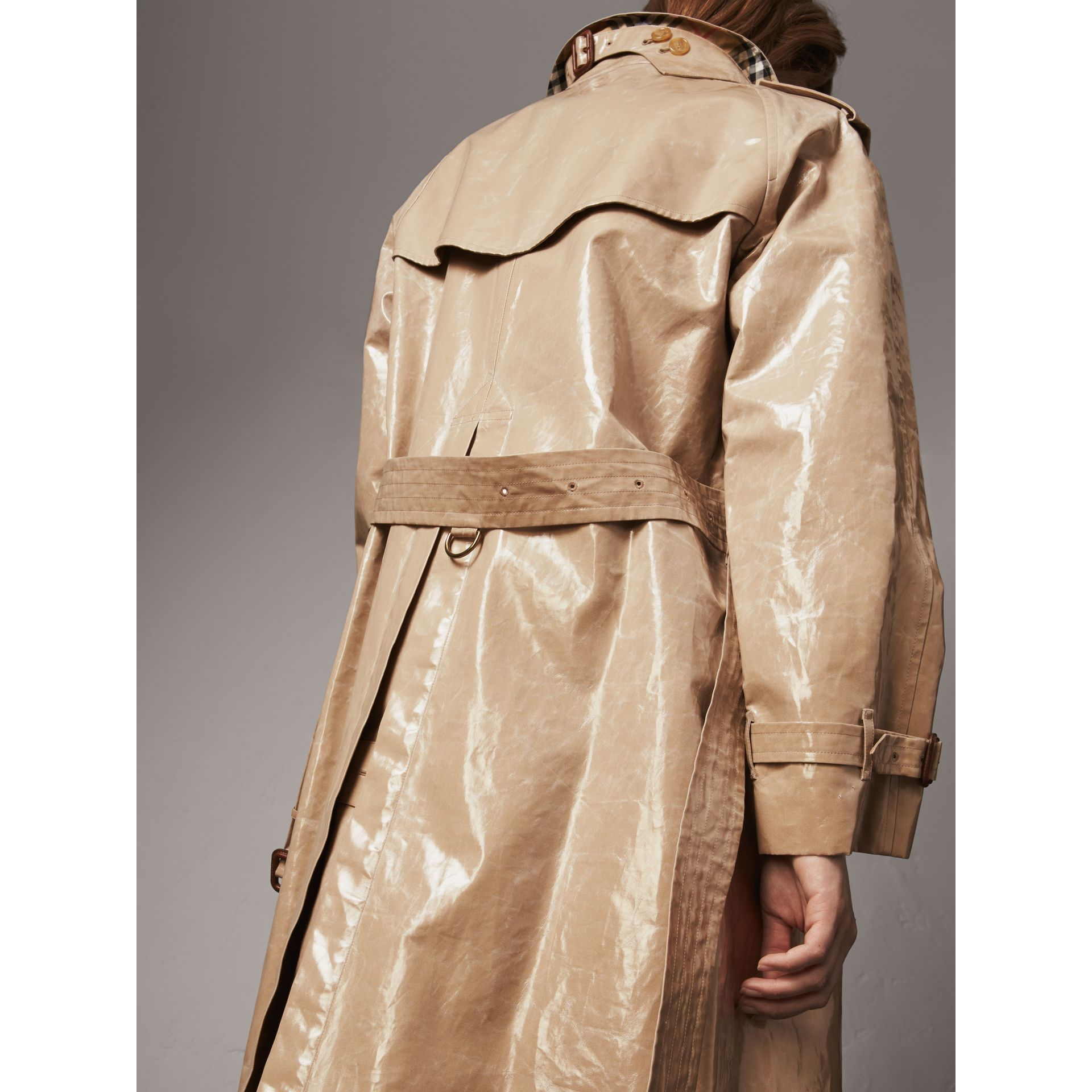 Raglan-sleeve Laminated Gabardine Trench Coat in Honey - Women | Burberry - gallery image 4