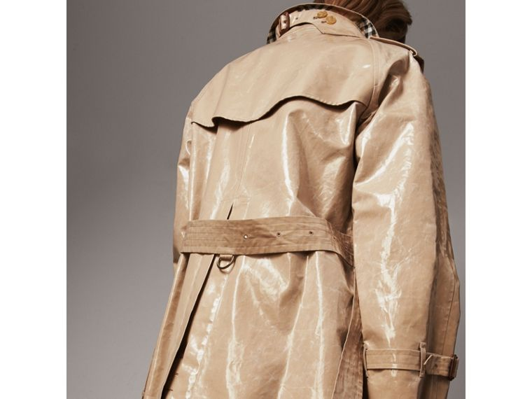 Raglan-sleeve Laminated Gabardine Trench Coat in Honey - Women | Burberry United Kingdom - cell image 4