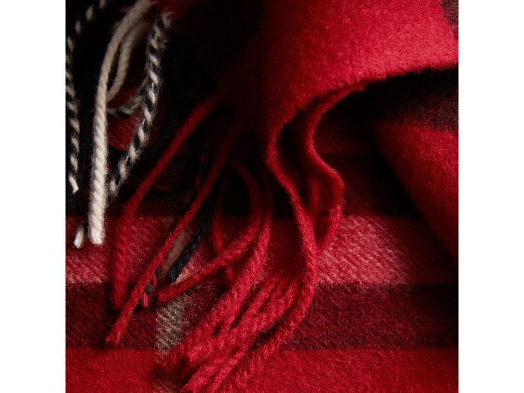 The Classic Check Cashmere Scarf in Parade Red | Burberry Australia - cell image 4