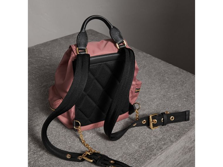 Petit sac The Rucksack en nylon technique et cuir (Rose Mauve) - Femme | Burberry - cell image 4