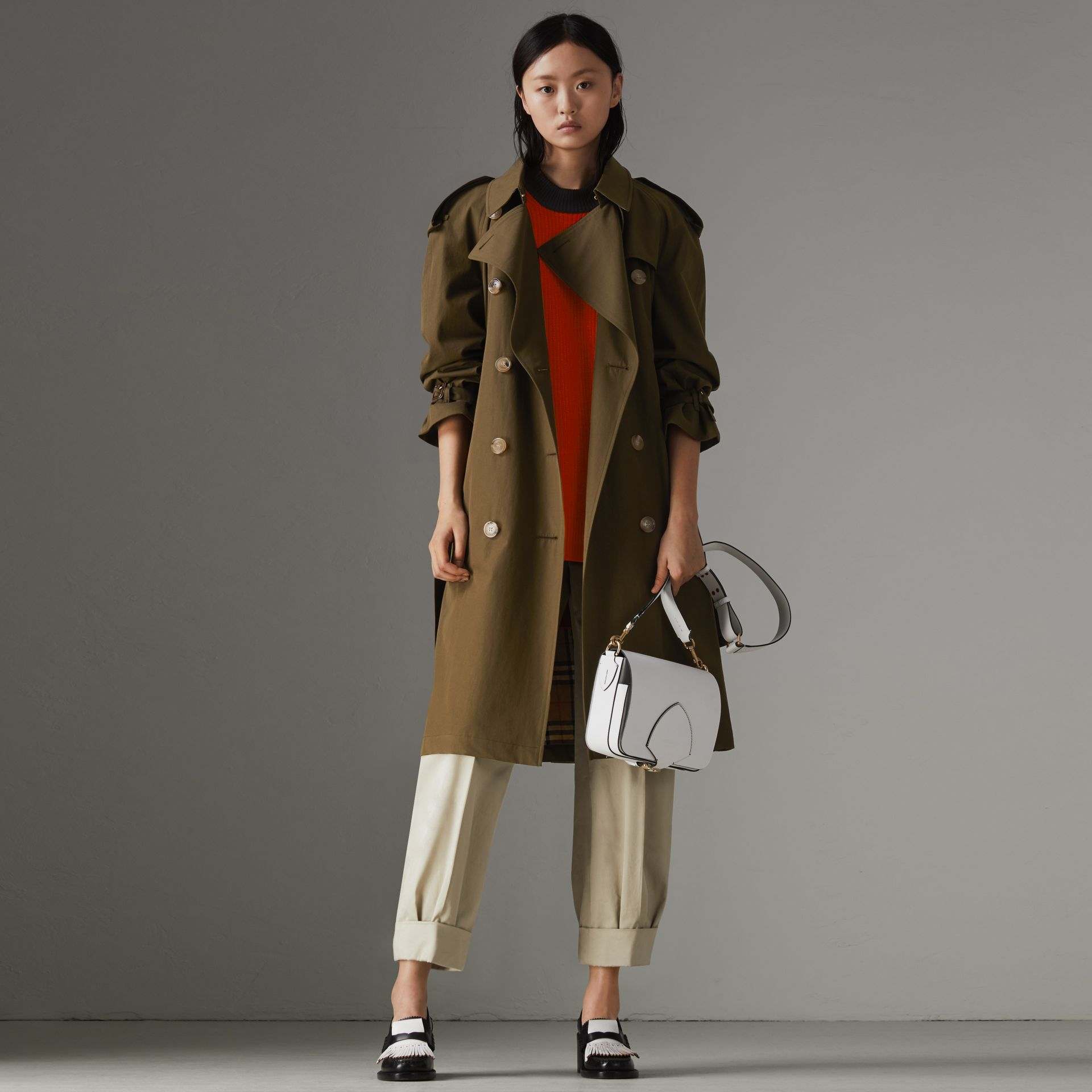 The Westminster – Trench Heritage (Kaki Militaire Foncé) - Femme | Burberry Canada - photo de la galerie 0