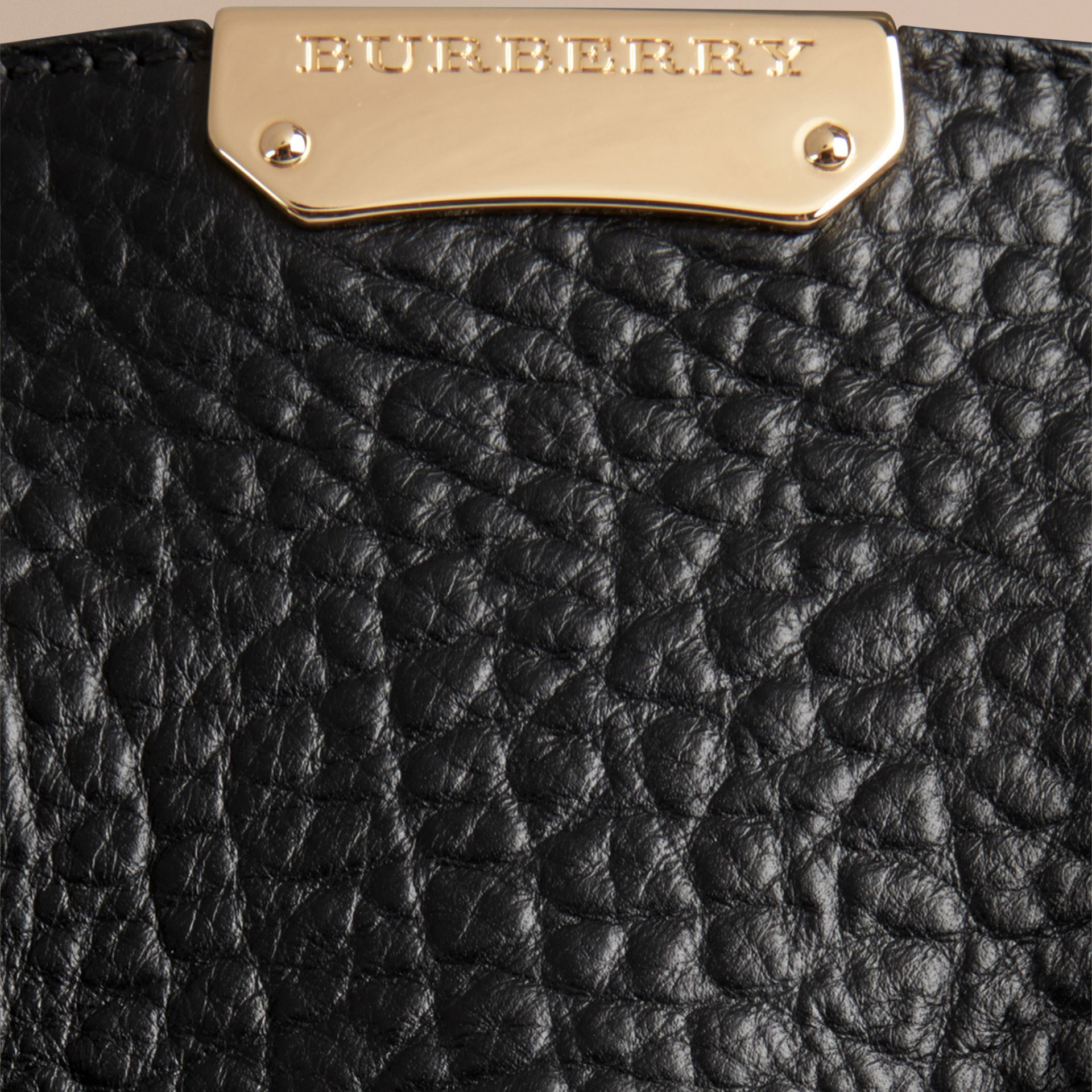 Black The Medium Clifton in Signature Grain Leather Black - gallery image 2