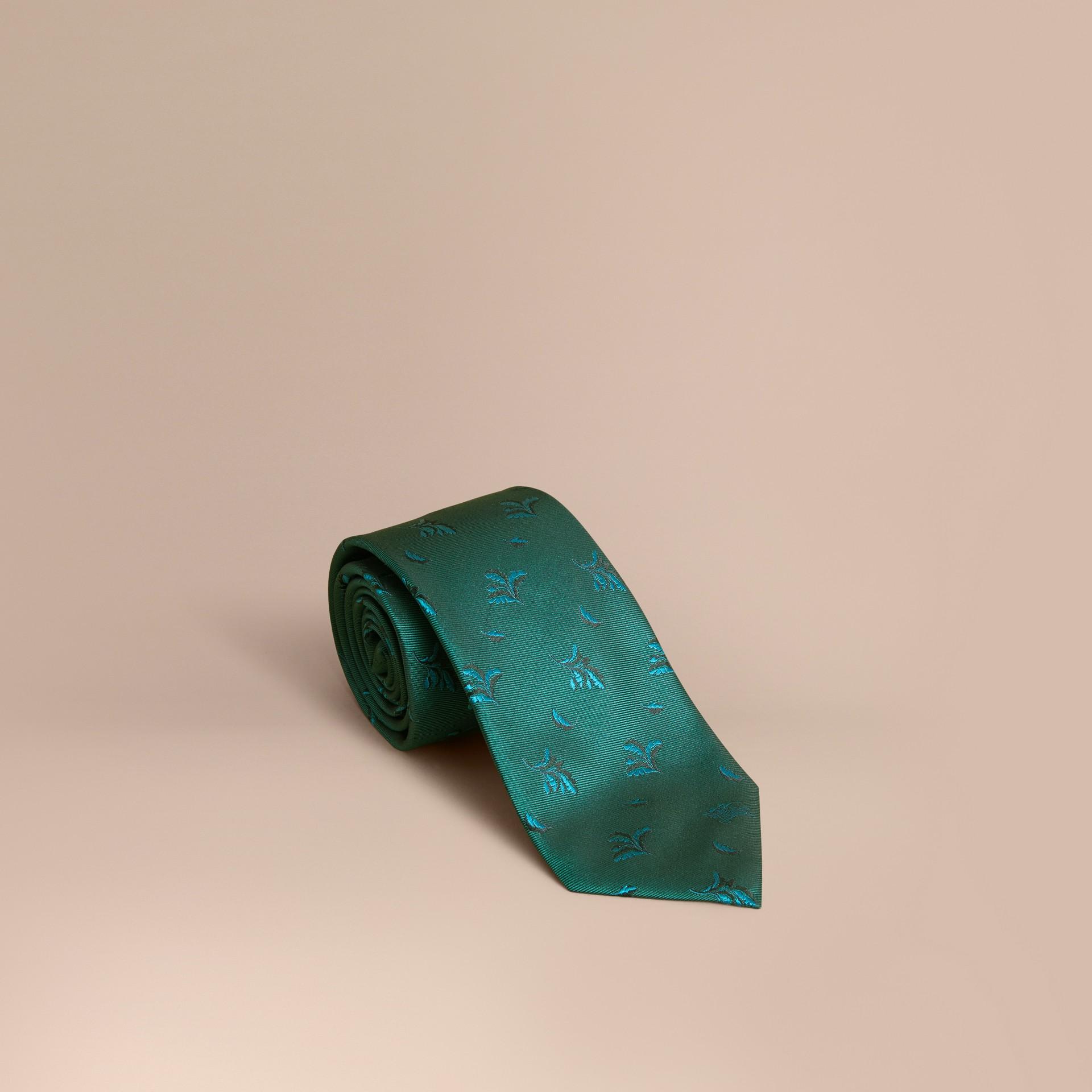 Modern geschnittene Seidenkrawatte in Jacquard-Webung mit Blattmuster Blaugrün - Galerie-Bild 1