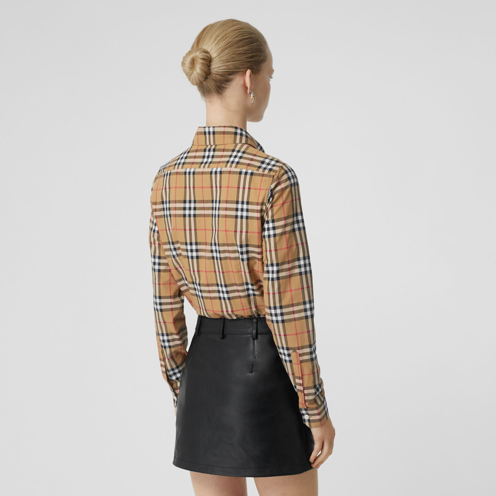 Chemise en coton Vintage check (Jaune Antique) - Femme | Burberry - photo de la galerie 2