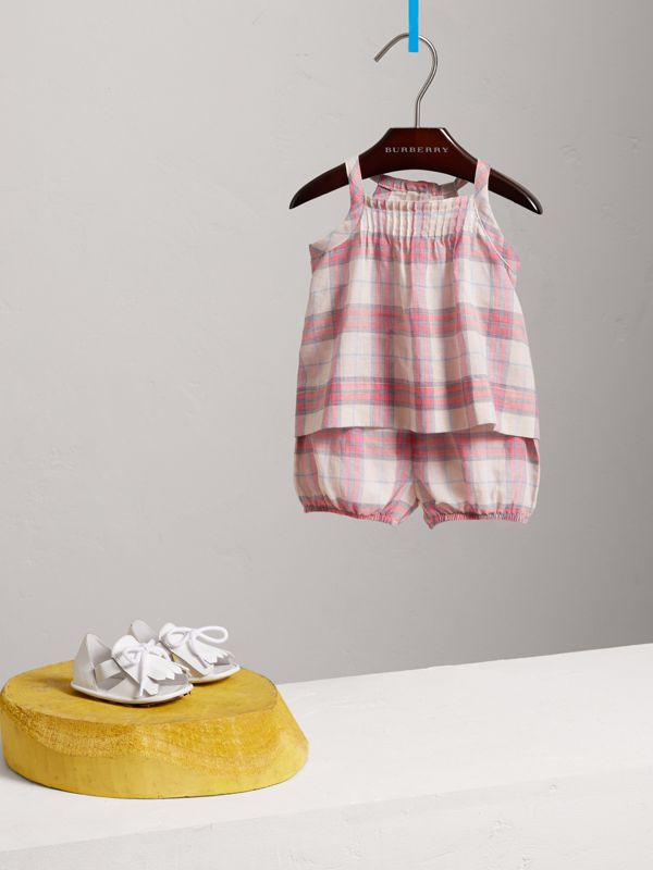 Check Cotton Two-piece Baby Gift Set in Bright Coral Pink - Children | Burberry - cell image 2