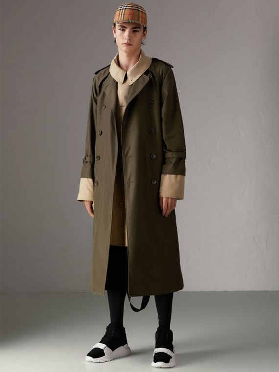 Trench coat in gabardine tropicale (Verde Cachi Scuro)