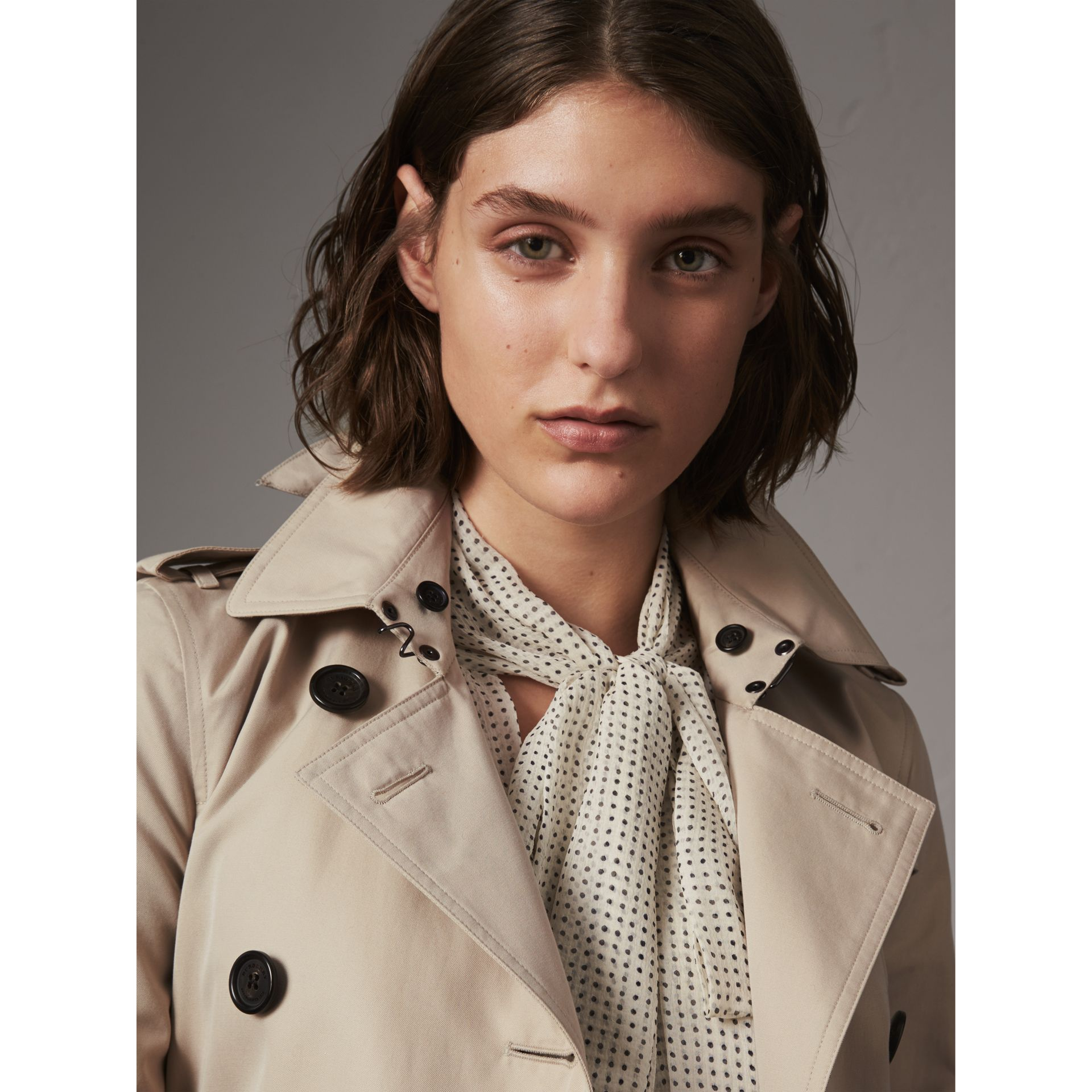The Kensington – Mid-Length Heritage Trench Coat in Stone - Women | Burberry - gallery image 6