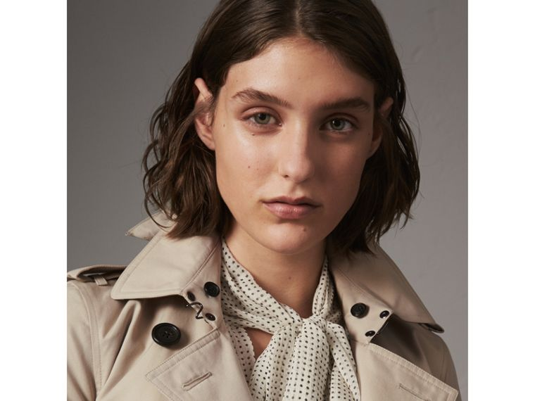 The Kensington – Mid-Length Heritage Trench Coat in Stone - Women | Burberry - cell image 4