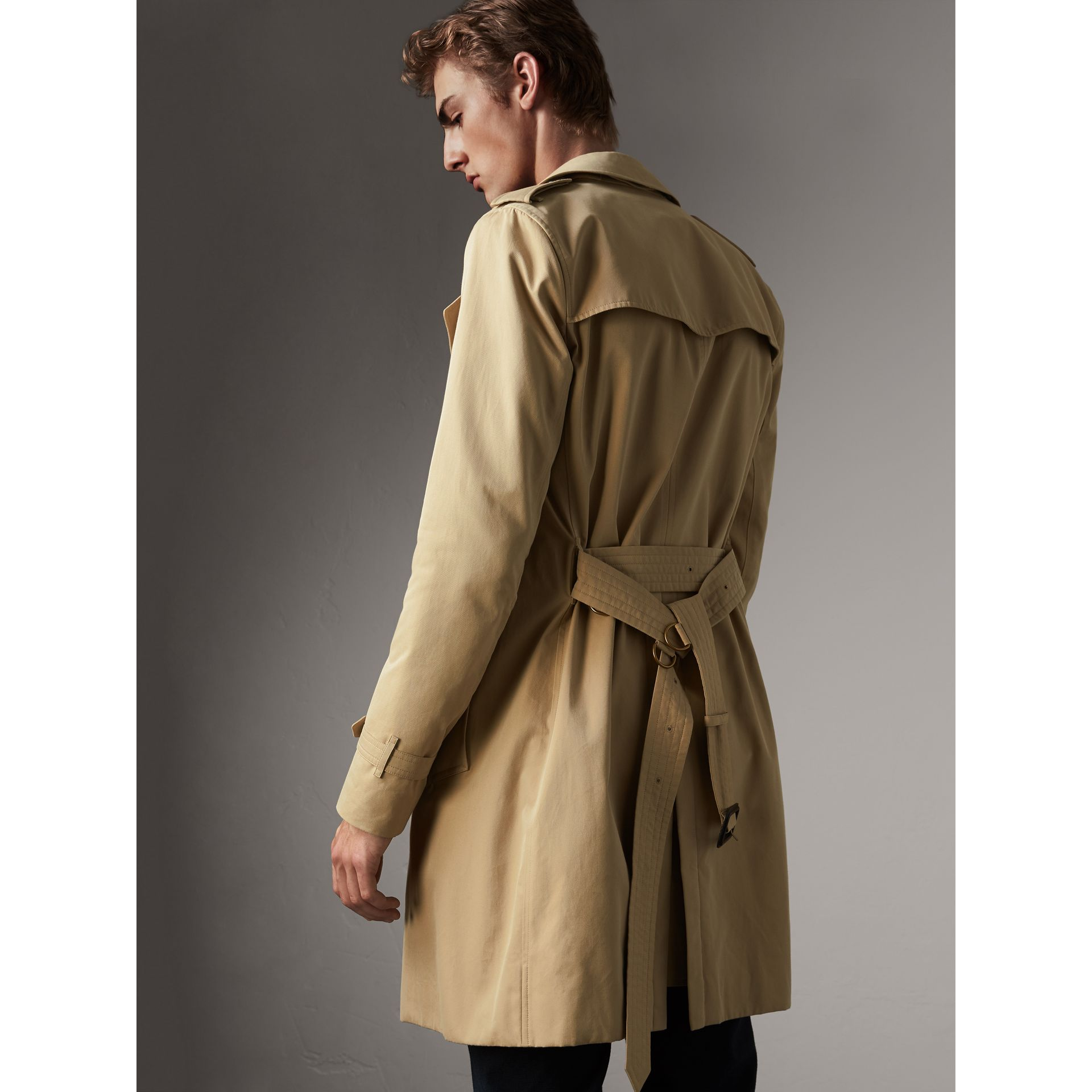 The Sandringham – Long Trench Coat in Honey - Men | Burberry - gallery image 3