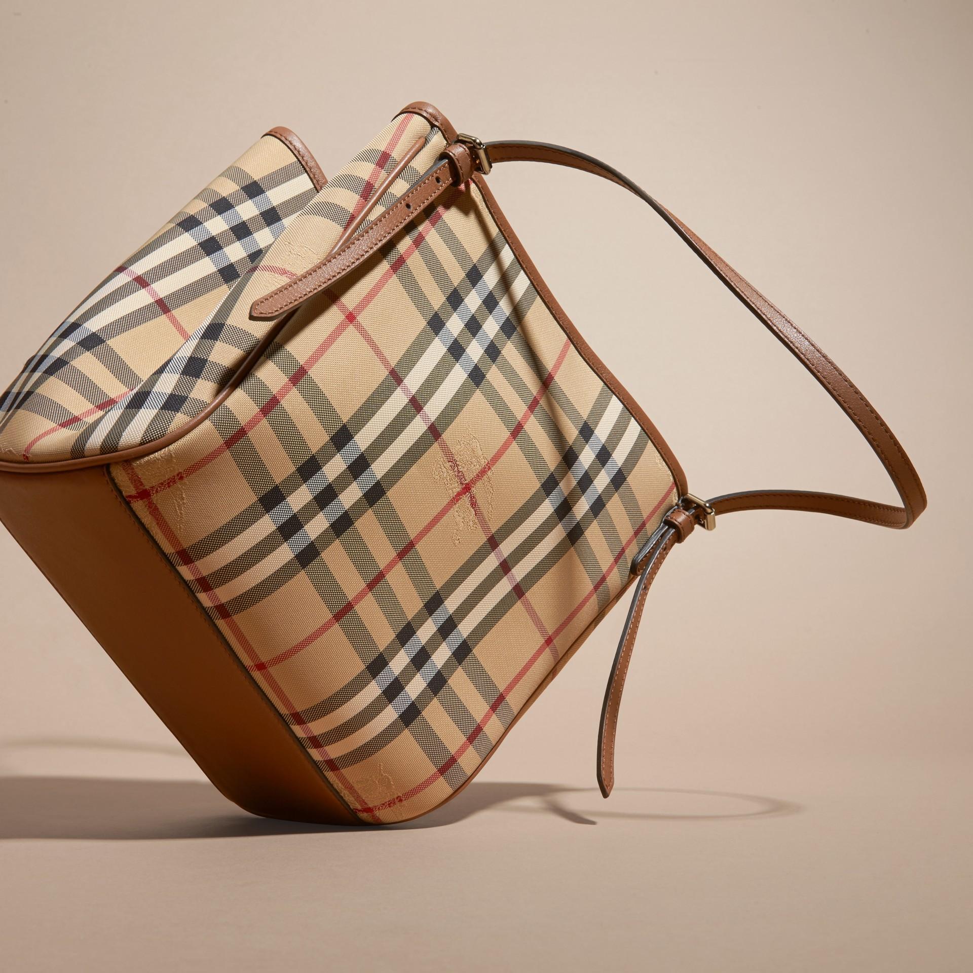Miel/hâle Mini sac The Canter avec motif Horseferry check Miel/hâle - photo de la galerie 4