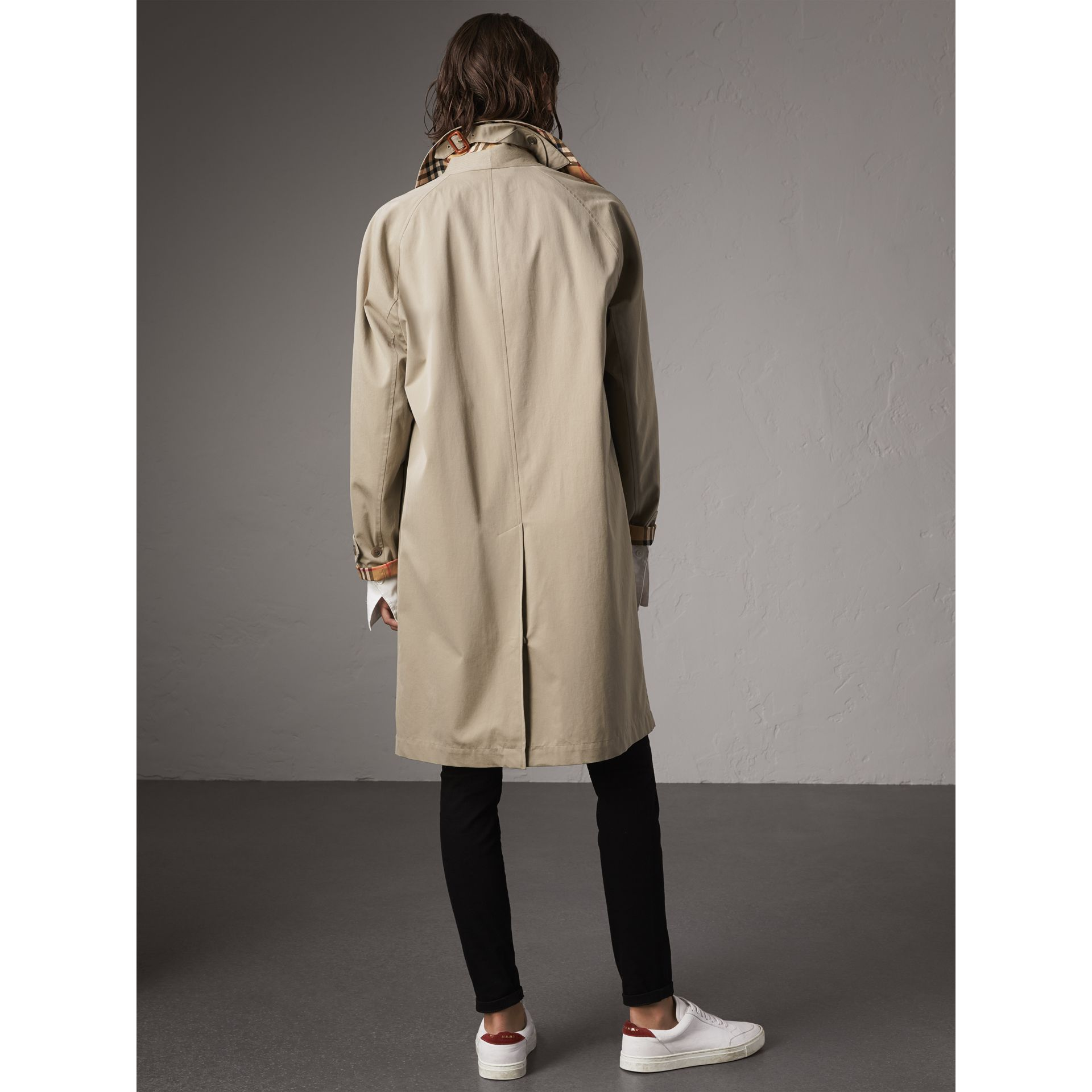 The Camden – Long Car Coat in Sandstone - Women | Burberry Singapore - gallery image 3