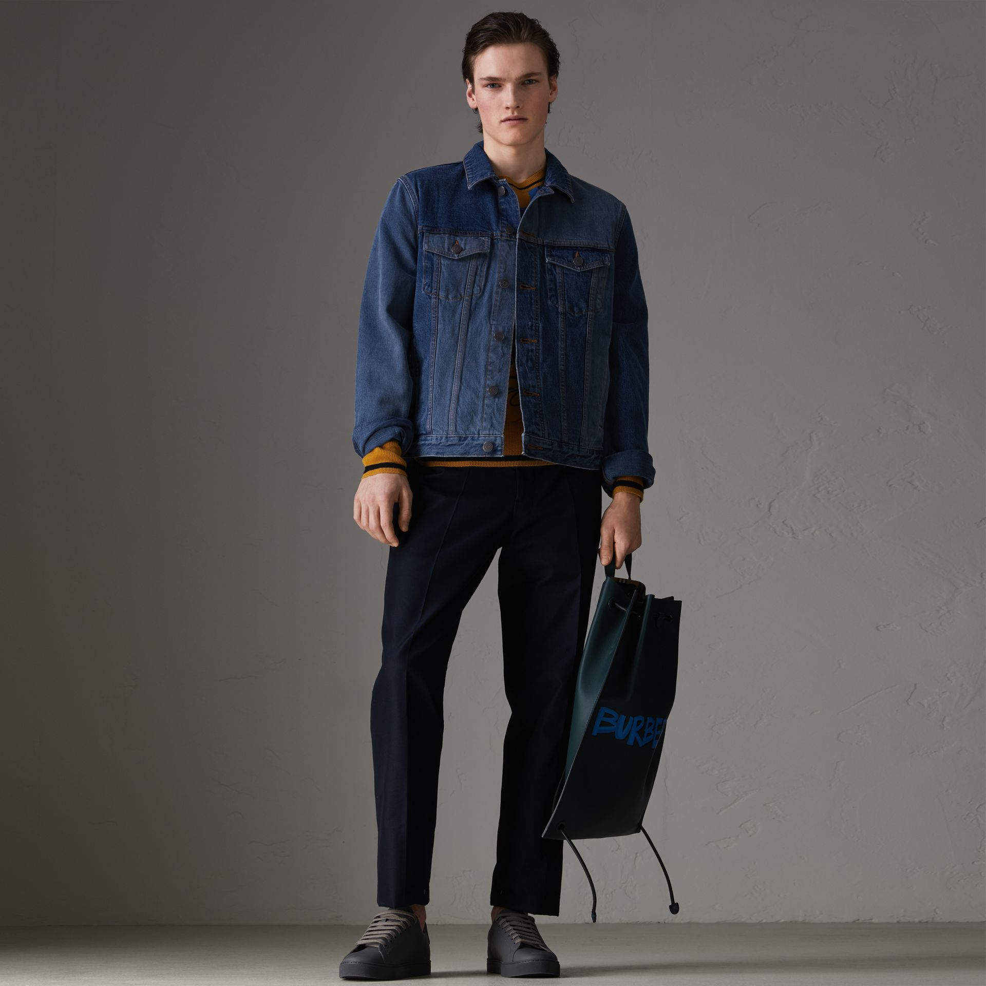 Veste en denim bicolore (Indigo) - Homme | Burberry - photo de la galerie 0