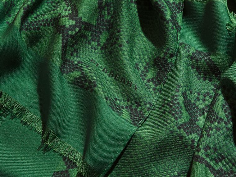 Bright green Lightweight Python Print Wool Cashmere Silk Poncho Bright Green - cell image 1