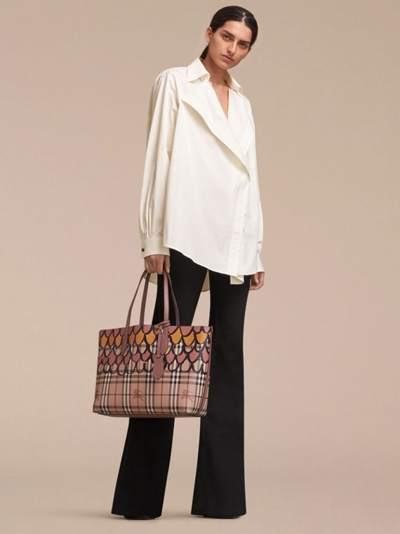 The Medium Reversible Tote in Trompe L'oeil Print - cell image 2