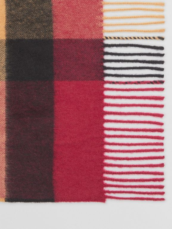The Burberry Bandana in cashmere con motivo tartan (Rosa Prugna) | Burberry - cell image 1