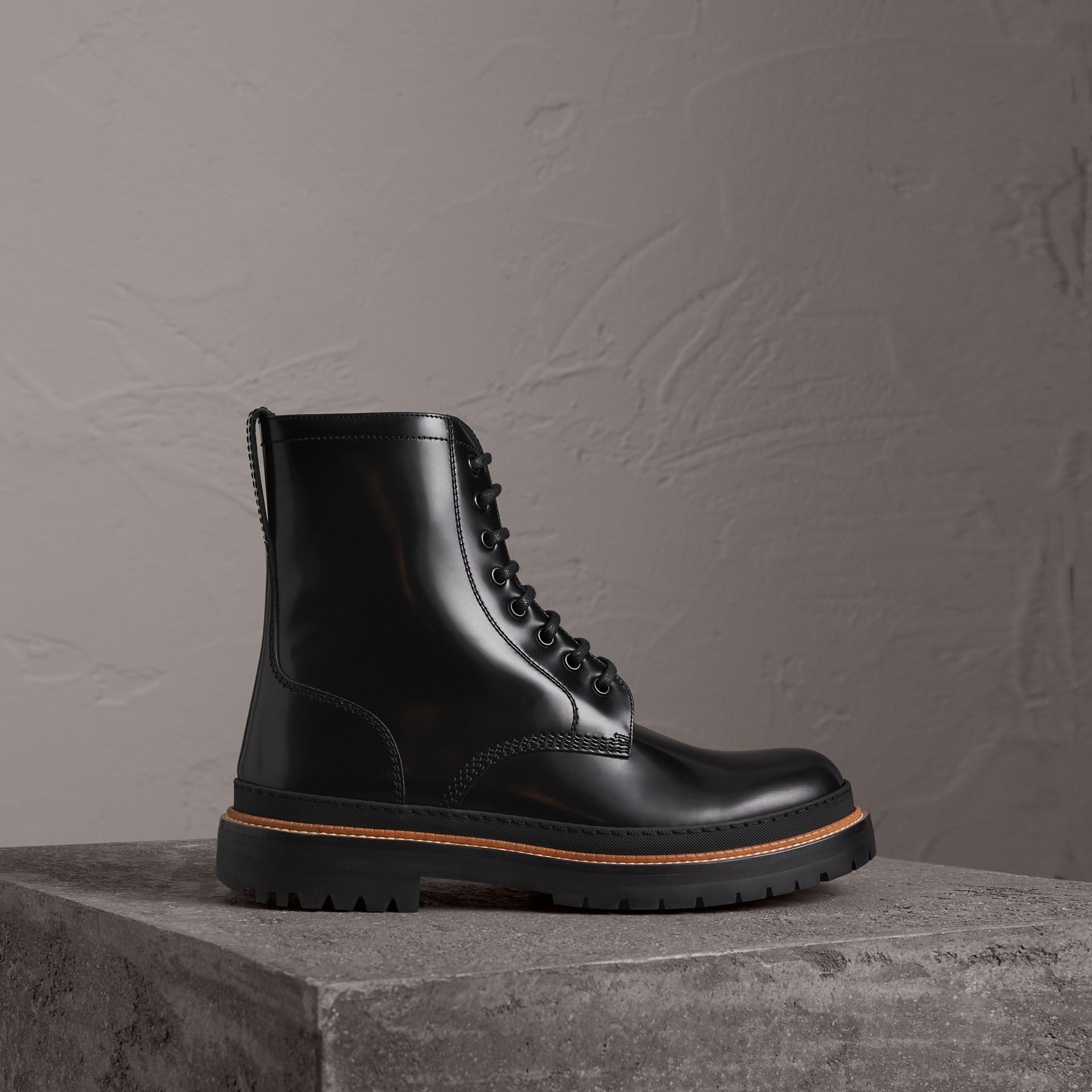 Botas de couro polido com cadarço (Preto) - Homens | Burberry - galeria de imagens 0