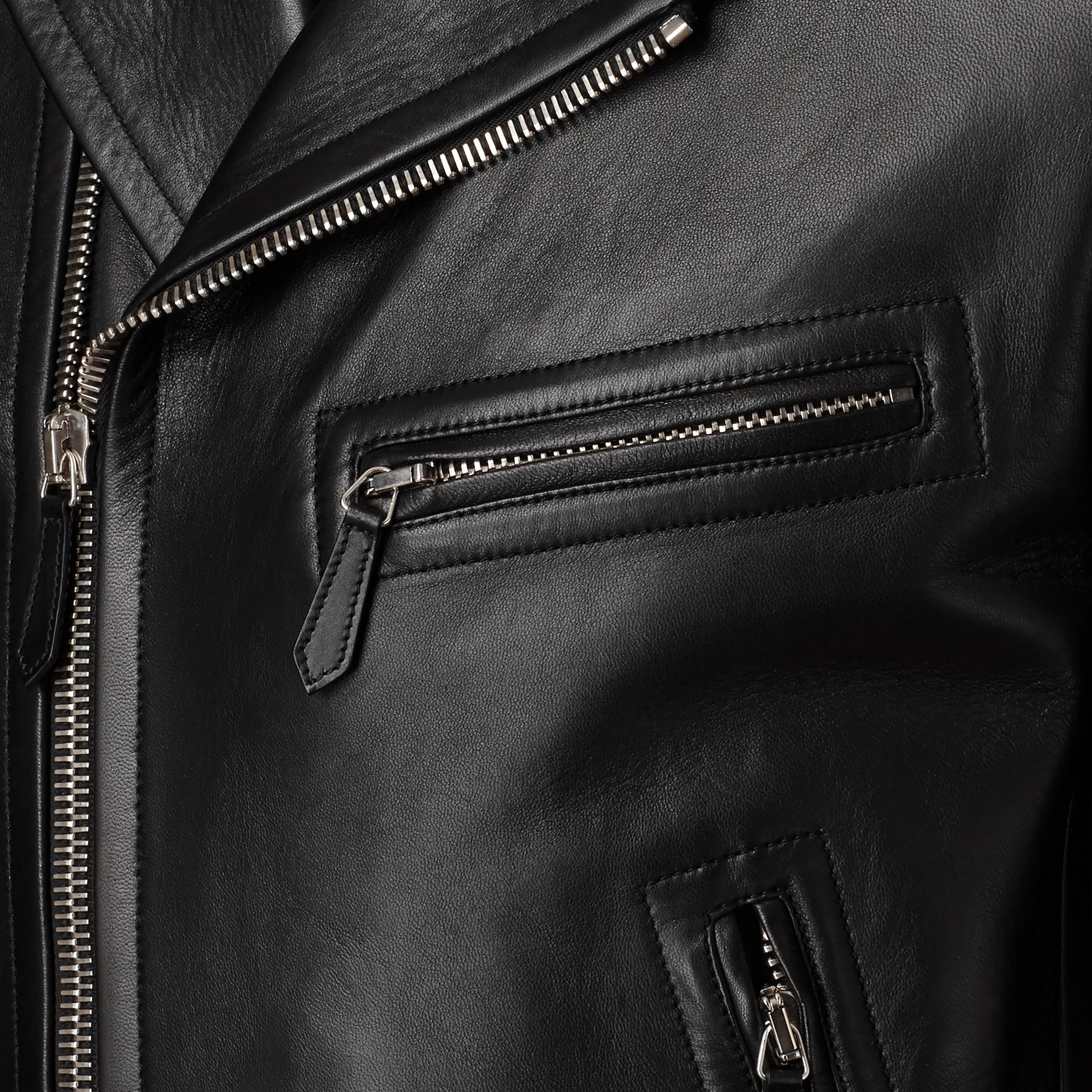 가죽 바이커 재킷 (블랙) - 남성 | Burberry - 갤러리 이미지 2