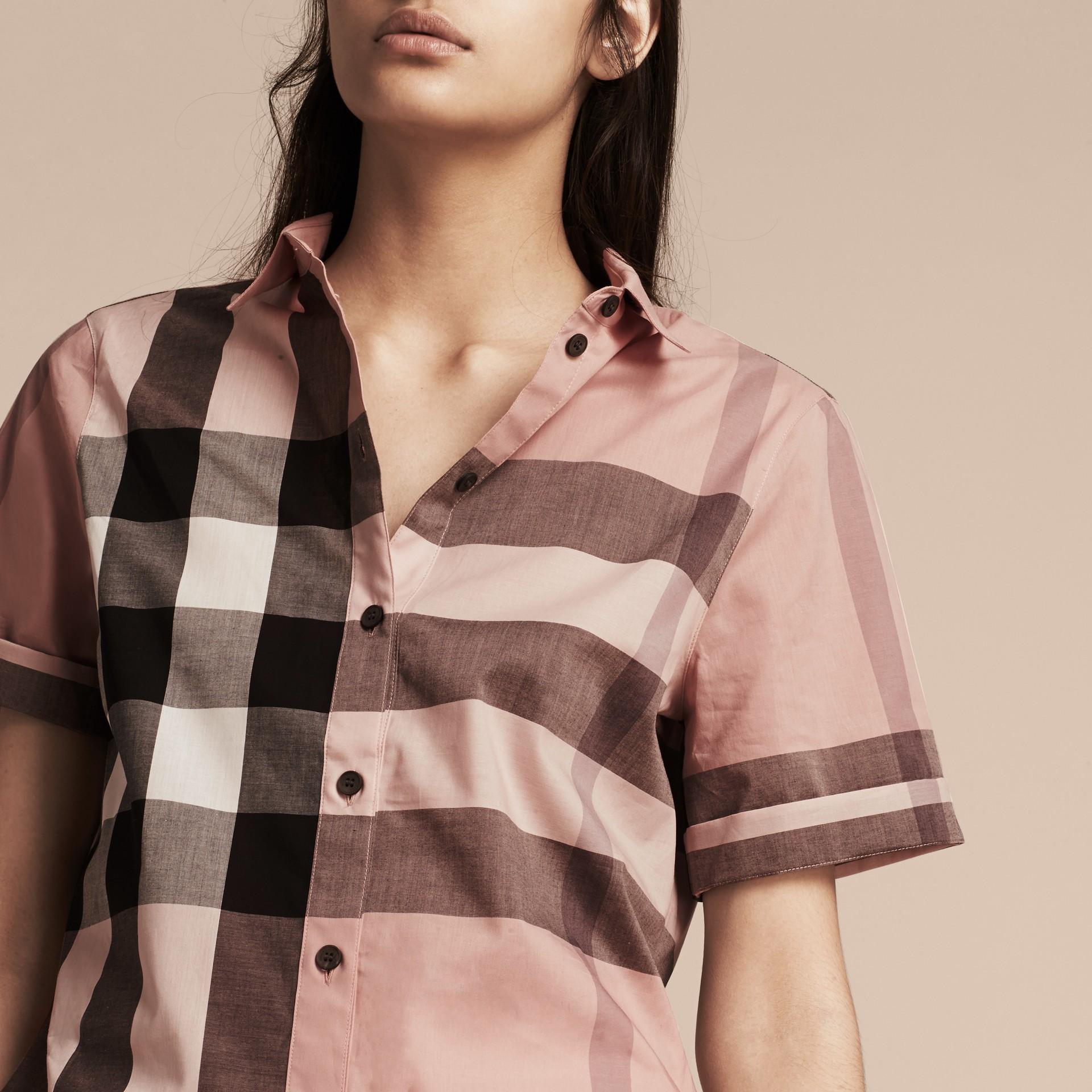 Rosa antico Camicia a maniche corte in cotone con motivo check Rosa Antico - immagine della galleria 5