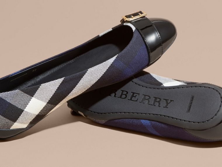 Buckle Detail House Check and Patent Leather Ballerinas Indigo Blue - cell image 4