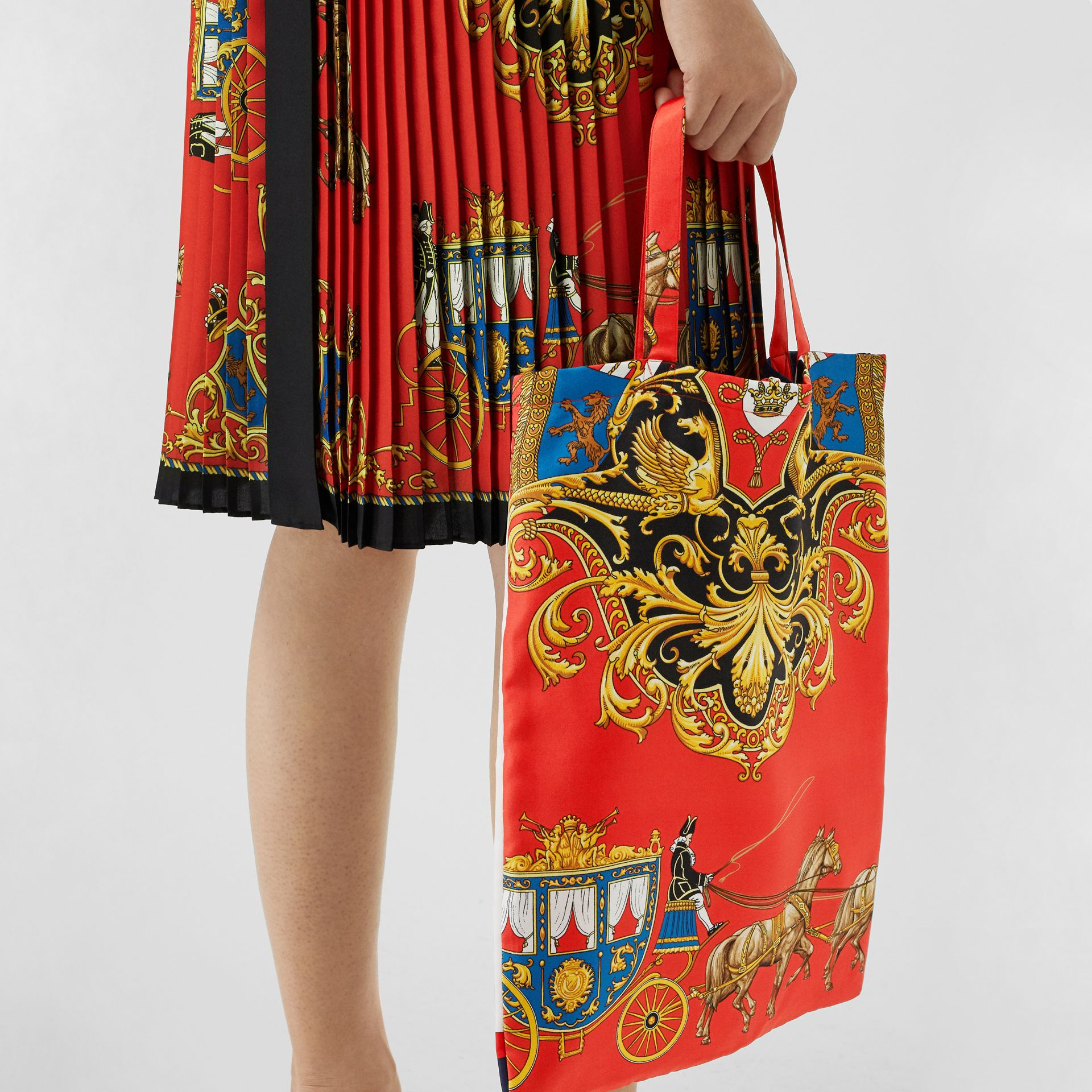 Archive Scarf Print Silk Tote in Bright Red/navy - Women | Burberry United Kingdom - gallery image 3