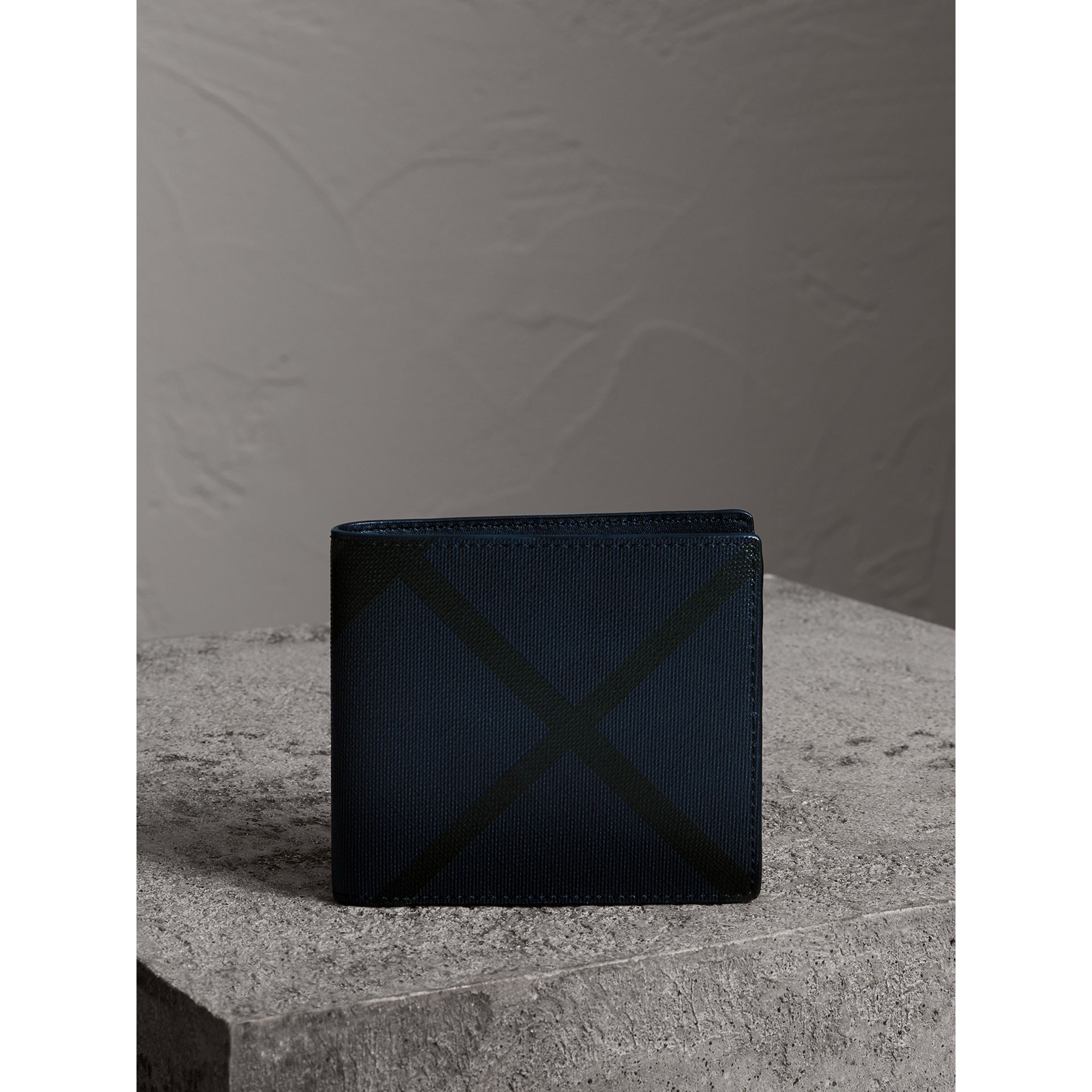 London Check International Bifold Wallet in Navy/black - Men | Burberry Canada - gallery image 4